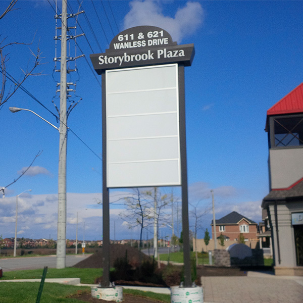 outdoor-Pylon-sign